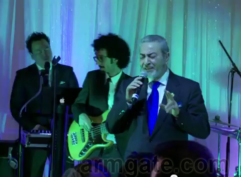 Sattar singing at Andy & Shani Wedding
