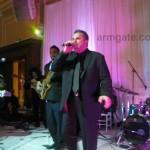 Sako singing at Andy & Shani Wedding